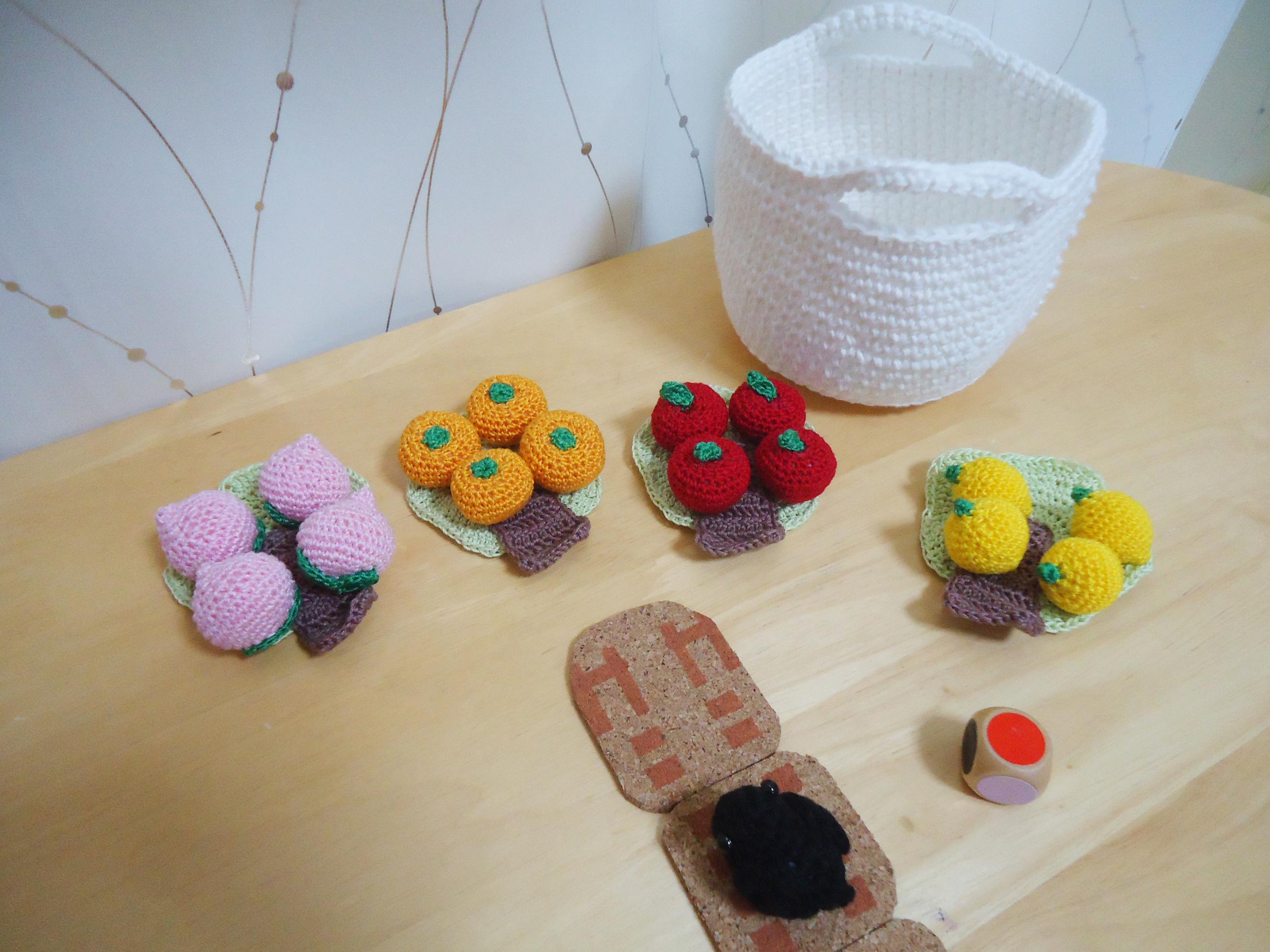 [編み物]かぎ針編みでボードゲームを自作!!「はじめてのゲーム果樹園」を作ってみました
